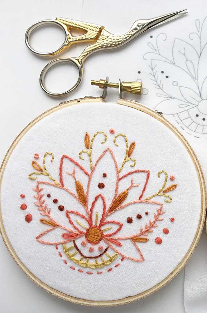 Para os fãs de bordado à mão, a inspiração é a Flor de Lótus