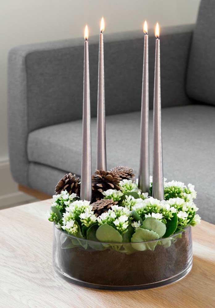 Arranjo moderno e elegante para a sala de estar feito com kalanchoes brancas