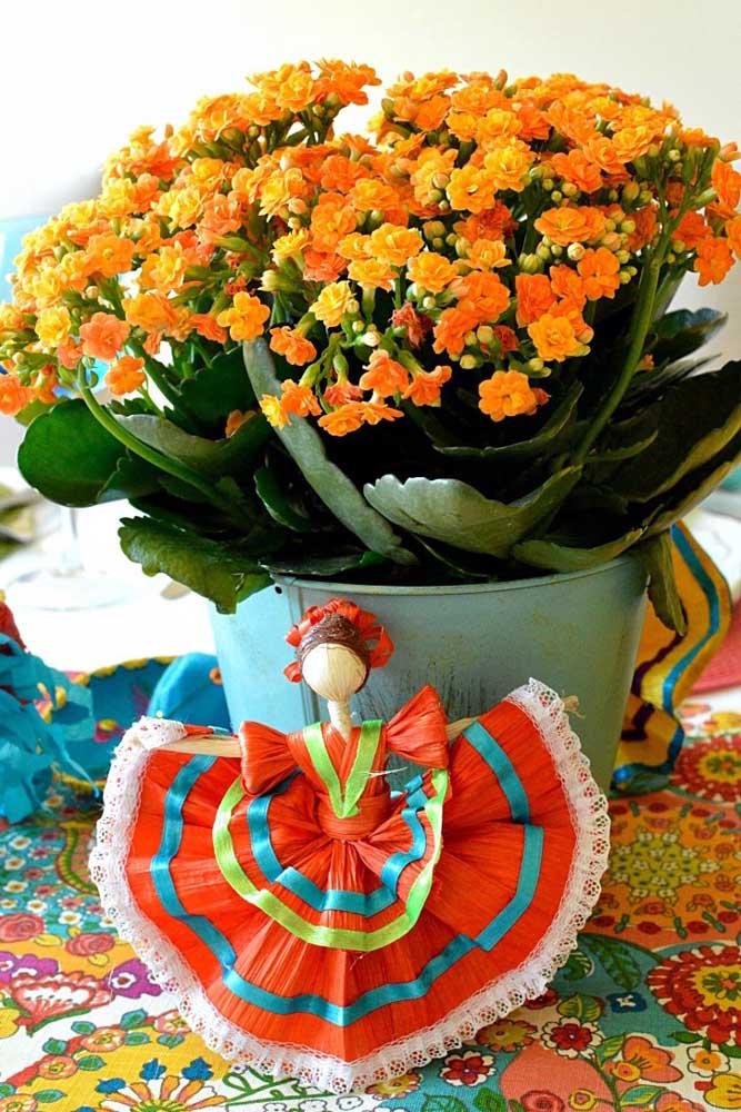 Quer uma decoração alegre e vibrante? Coloque a kalanchoe no meio dela