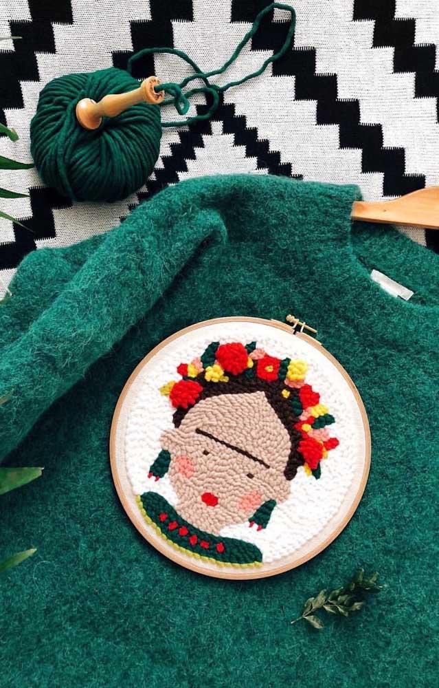 A blusa de lã ganhou um bordado especial em ponto russo