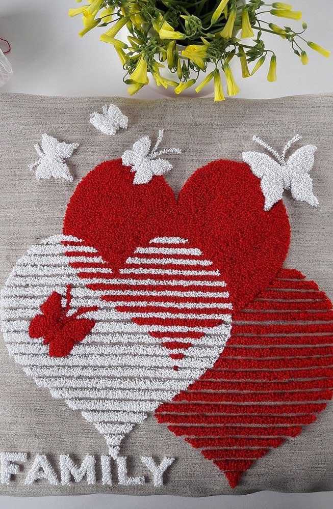 Que linda composição de corações em ponto russo!