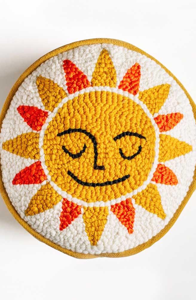 Um sol em ponto russo para aquecer e alegrar a decoração
