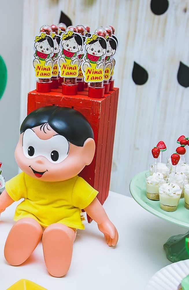 """Bonecas são ótimas opções para decorar a mesa de doces com o tema """"Magali"""""""