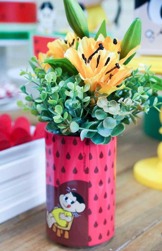 Ideia de decoração para vaso de flores da festa da Magali
