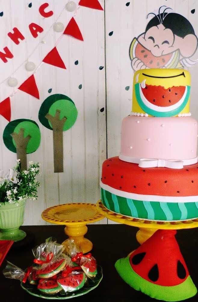 Bolo personalizado da Magali para festa de aniversário infantil