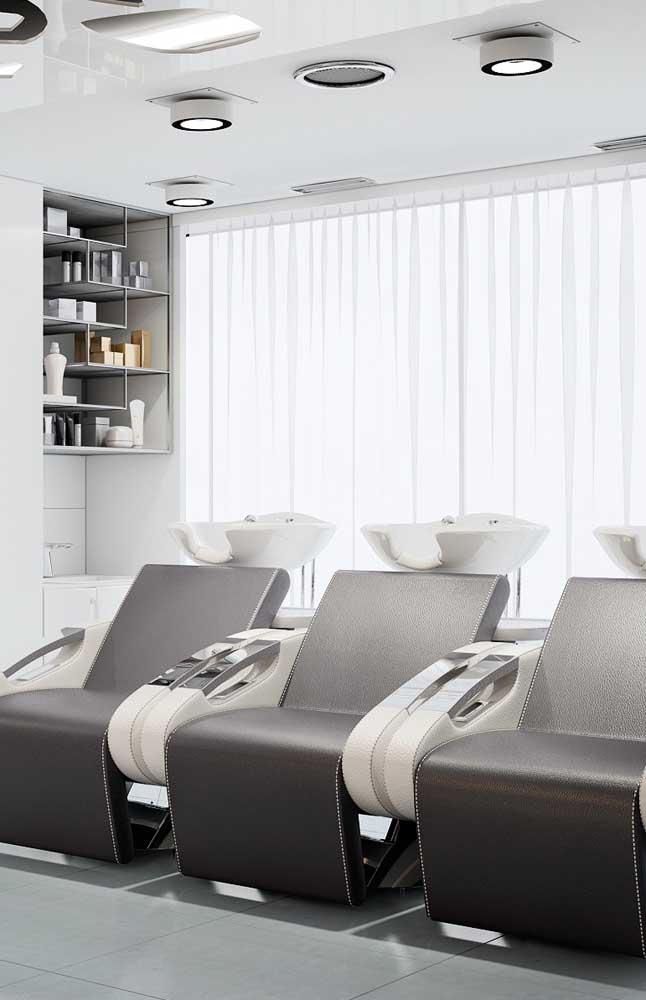As cadeiras precisam ser confortáveis e aconchegantes para os clientes