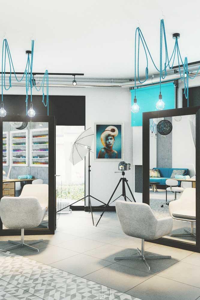 Parece um estúdio fotográfico, mas é só um salão muito bem decorado
