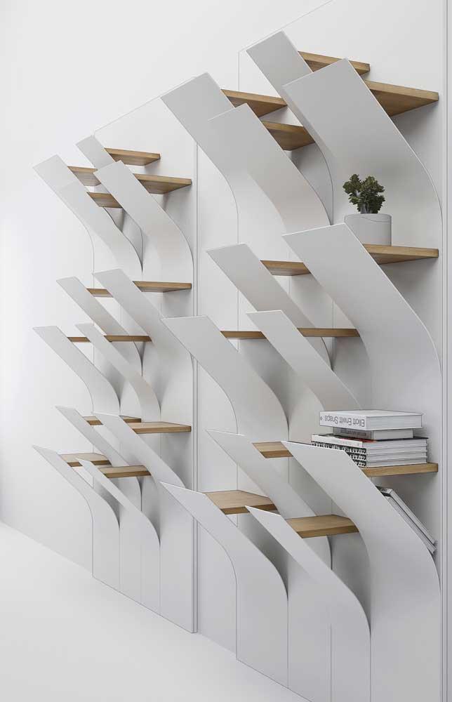 Se a decoração da sua casa segue um estilo mais moderno, a estante de livros deve ter um design diferenciado.