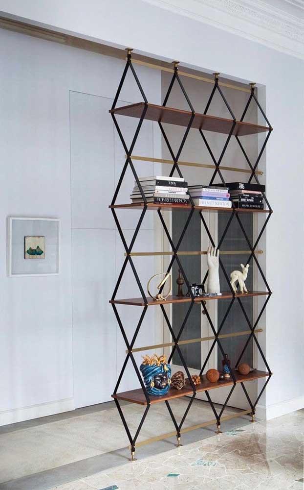 Que tal usar a estante para fazer a divisória dos espaços?