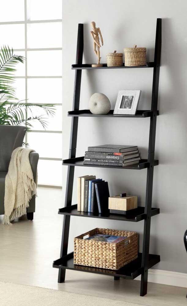 Se você não possui uma enorme coleção de livros, então uma estante pequena resolve o problema.