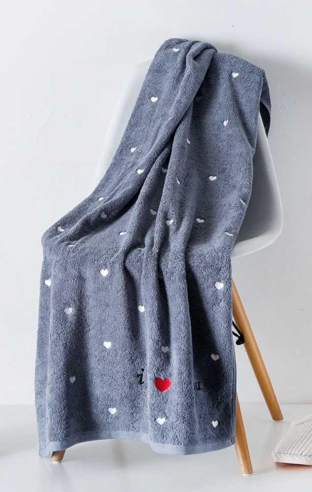 Porque se limitar a um barradinho se você pode ter uma toalha inteirinha bordada?