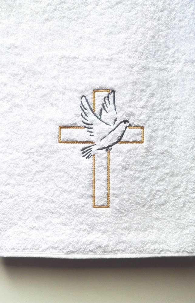 Toalha bordada com estampa religiosa