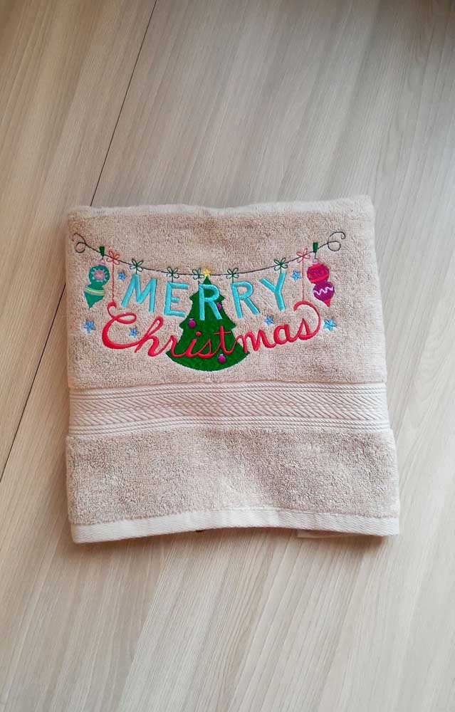Toalha bordada para o natal; deixe sua casa preparada para a época mais festiva do ano