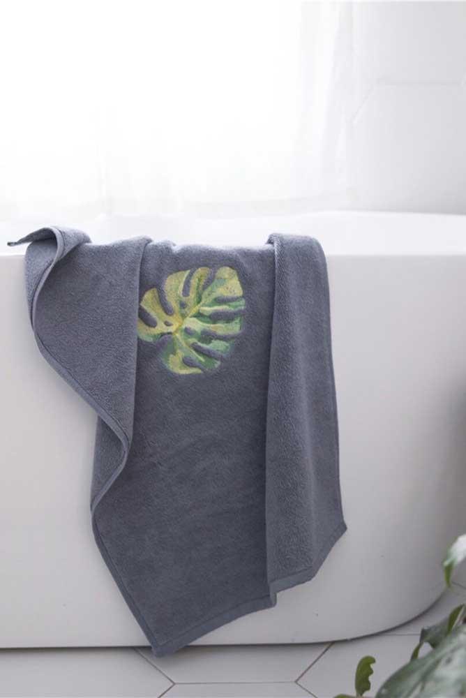 A costela de adão não fica de fora nem do bordado da toalha