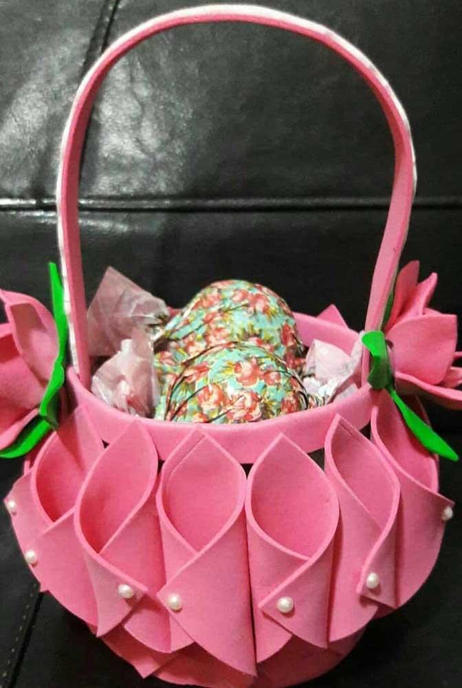 Cesta de EVA cor de rosa, perfeita para presentear em datas como o dia das mães