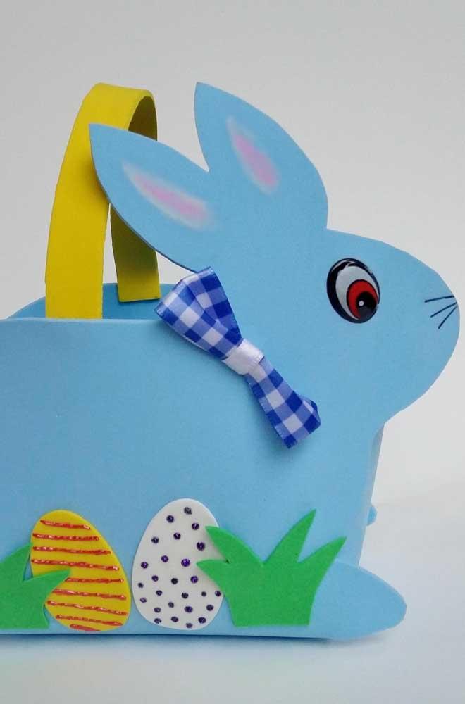 Mais uma inspiração de cesta de EVA para páscoa, só que essa vem em formato de coelho