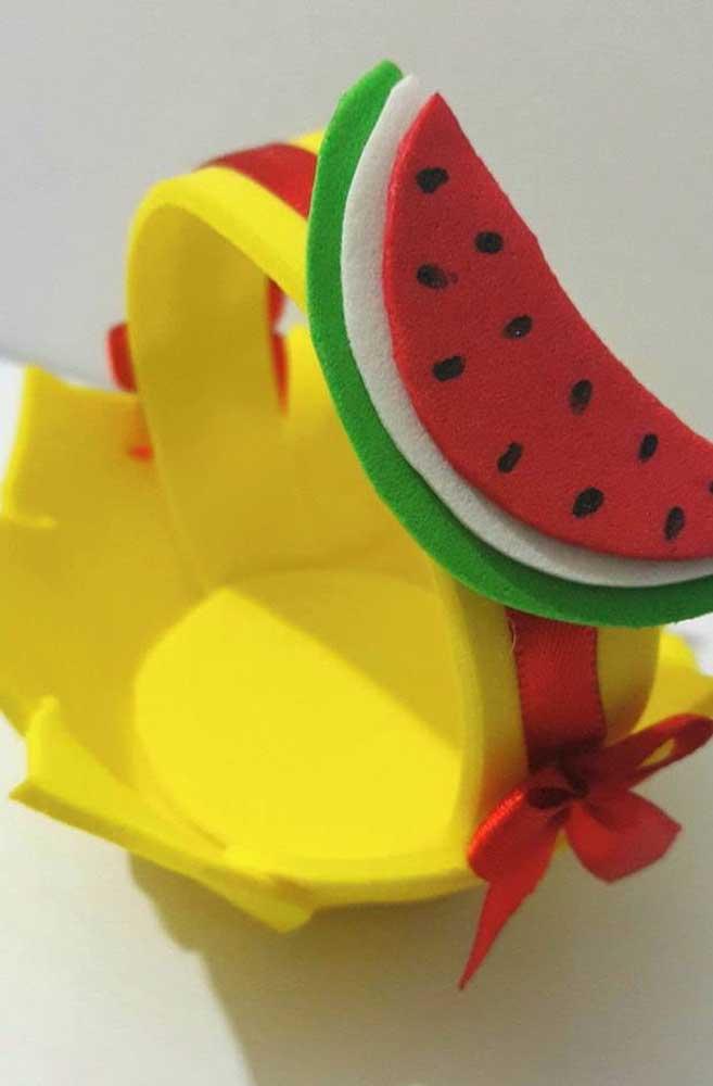 Cesta de Eva decorada com melancia em feltro