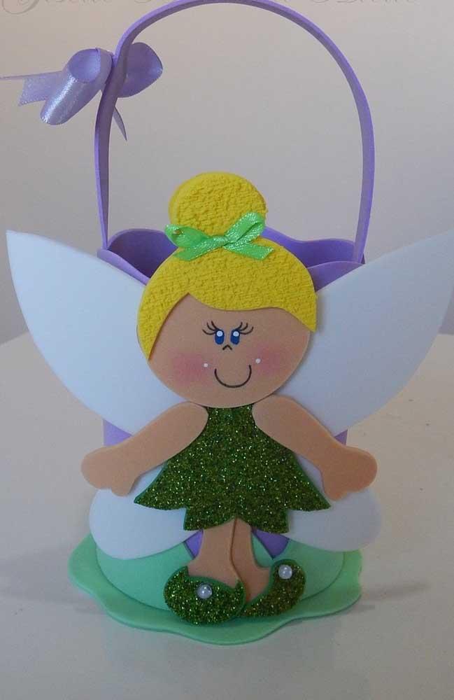 Inspiração de cesta de EVA personalizada para festa infantil com decoração da Tinker Bell