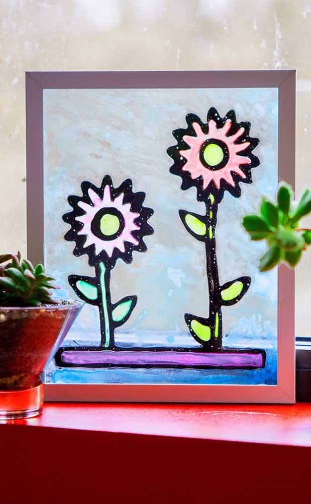 Tela de vidro com pintura de flores; uma bela opção para decorar espaços delicados