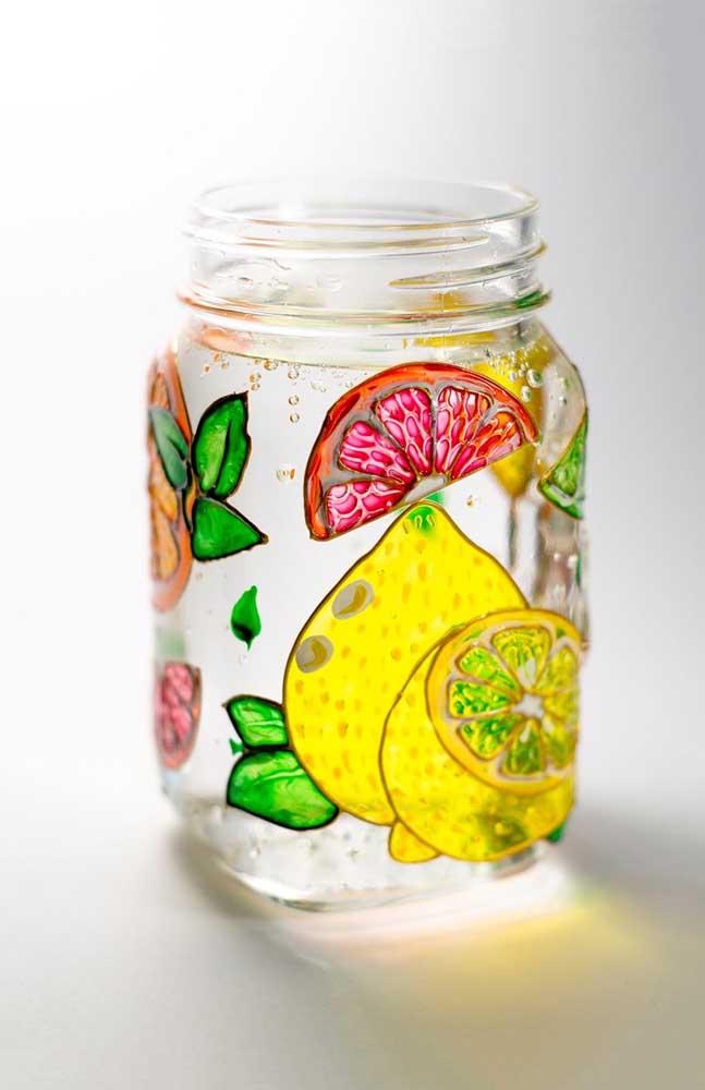 Pote de vidro decorado com frutas