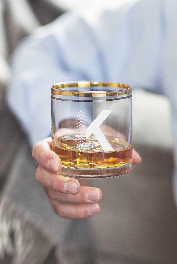 Copo personalizado em vidro com design moderno e estiloso