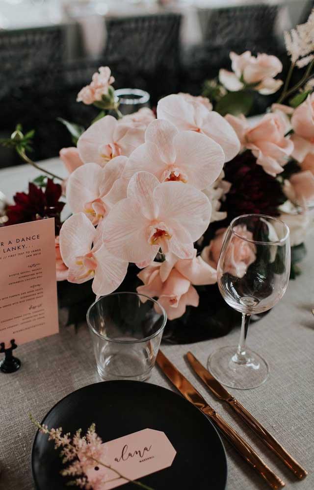 Tom delicado de Orquídea Vanda para compor a decoração dessa outra festa