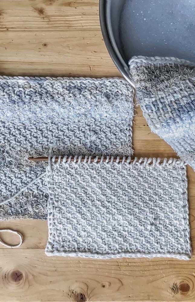 Modelo de peça sendo produzida com a técnica do crochê Tunisiano
