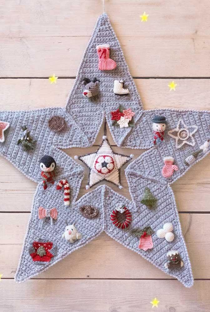 Que charme esse enfeite natalino todo produzido em crochê Tunisiano