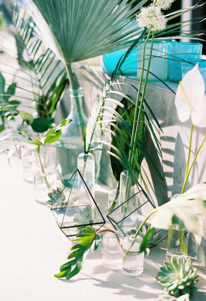 Uma boa opção de decoração é colocar plantas em vários cantinhos do local.