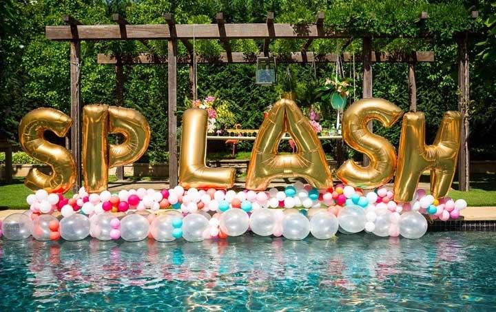 Festa na piscina: como organizar e decorar com fotos