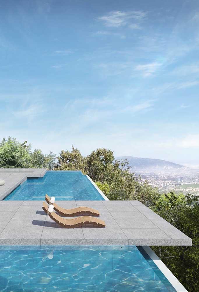 Mansão com vista panorâmica e piscina de borda infinita, quer mais?
