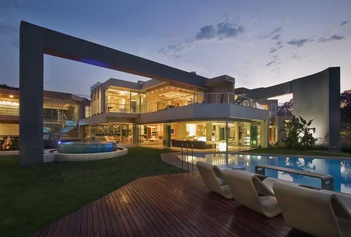 Quantos metros quadrados teria a mansão perfeita para você?