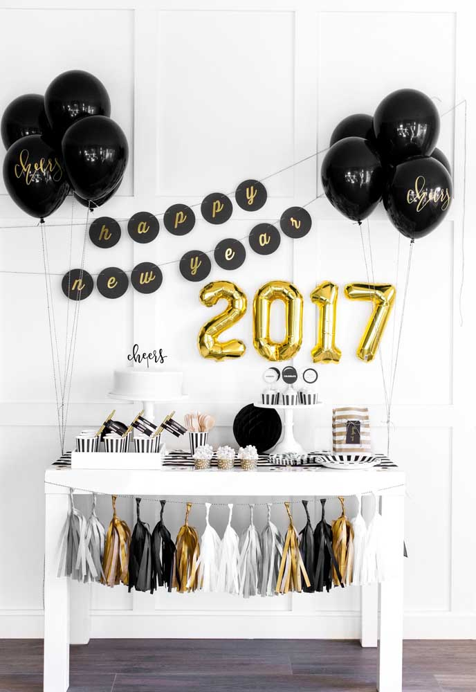 Apesar da cor branca ser tradicional no ano novo, você pode usar a cor que quiser para fazer sua decoração.