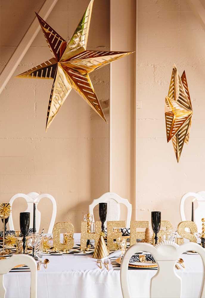 A estrela é um dos principais elementos decorativos da ceia de ano novo.