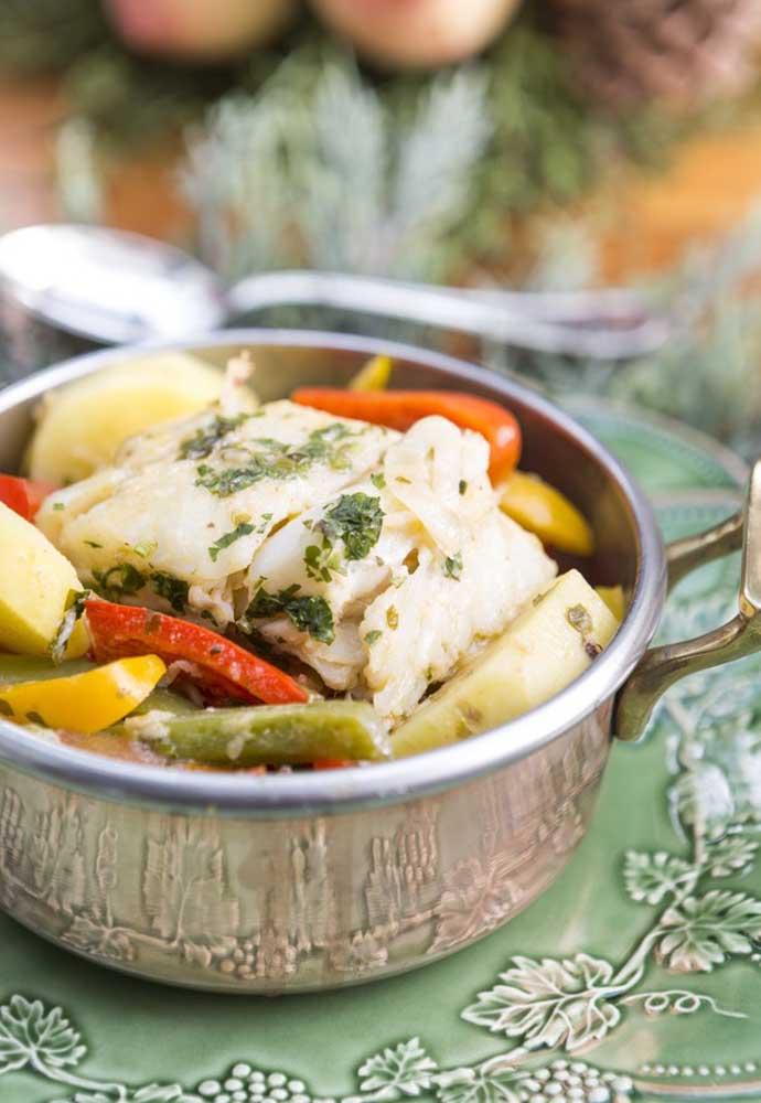 Para deixar o ambiente mais informal, você pode servir as comidas na própria panela na ceia de ano novo.