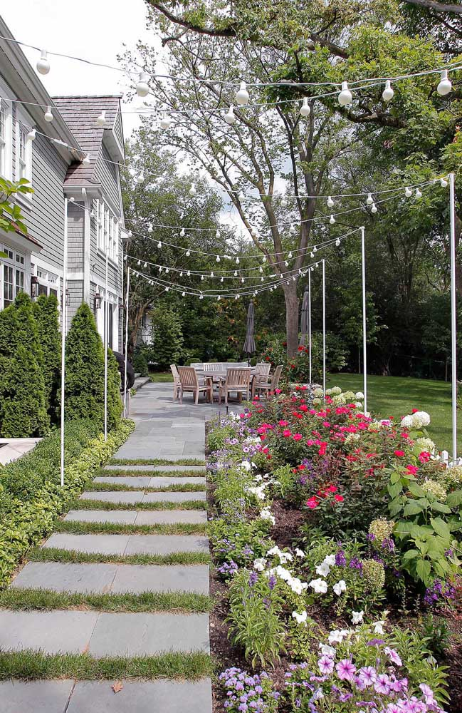 Petúnias no jardim: não existe lugar onde elas não se encaixem com perfeição