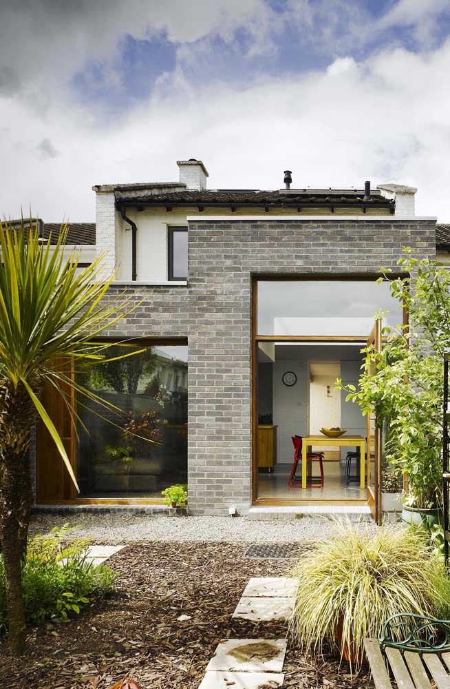 Projeto de casa que mescla o uso dos tijolos ecológicos com a alvenaria