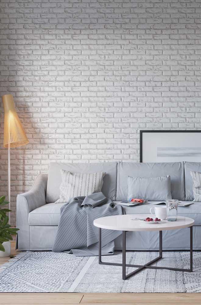 A pintura branca traz uma atmosfera clean e muito aconchegante para os tijolos ecológicos