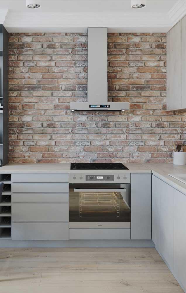 Parede da cozinha em tijolo ecológico; eles podem entrar na sua casa compondo apenas detalhes da construção