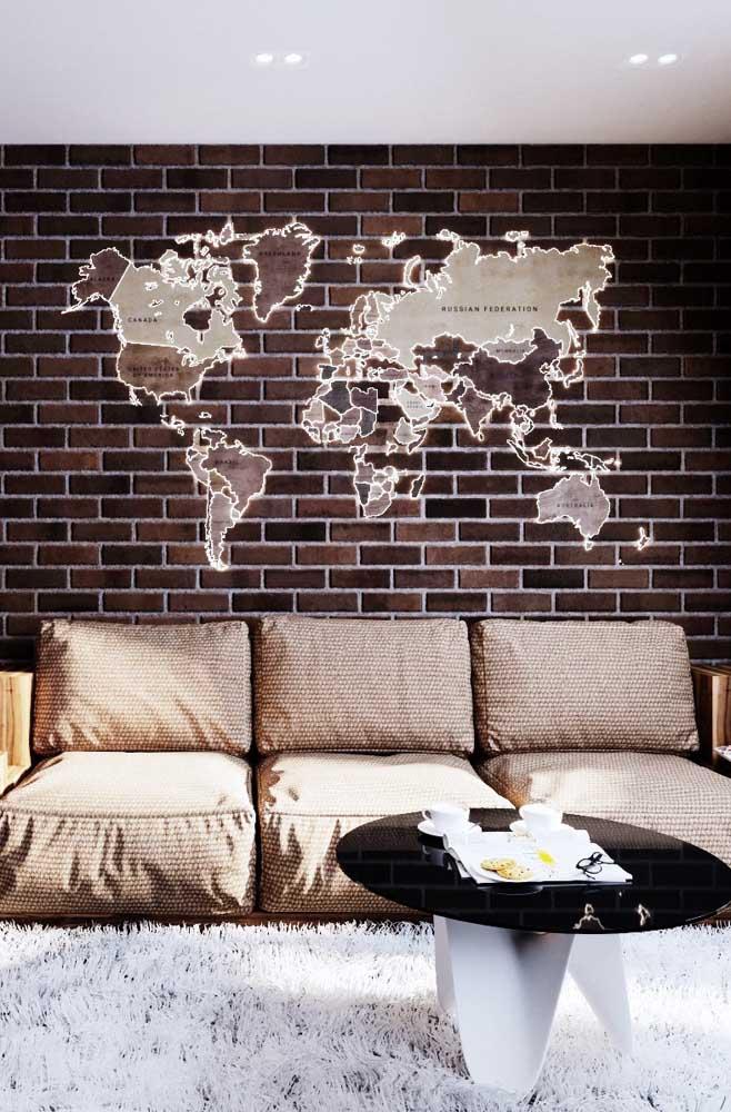 Sala de estar com parede de tijolo ecológico