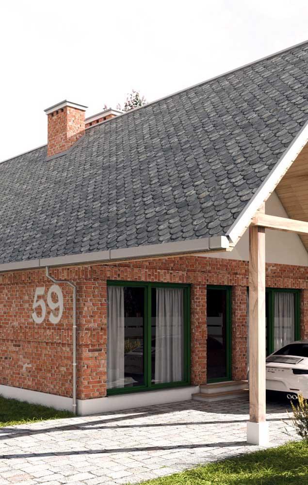 Uma casa confortável e convidativa construída com tijolos ecológicos