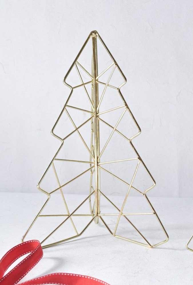 A árvore de natal dourada perfeita para os minimalistas