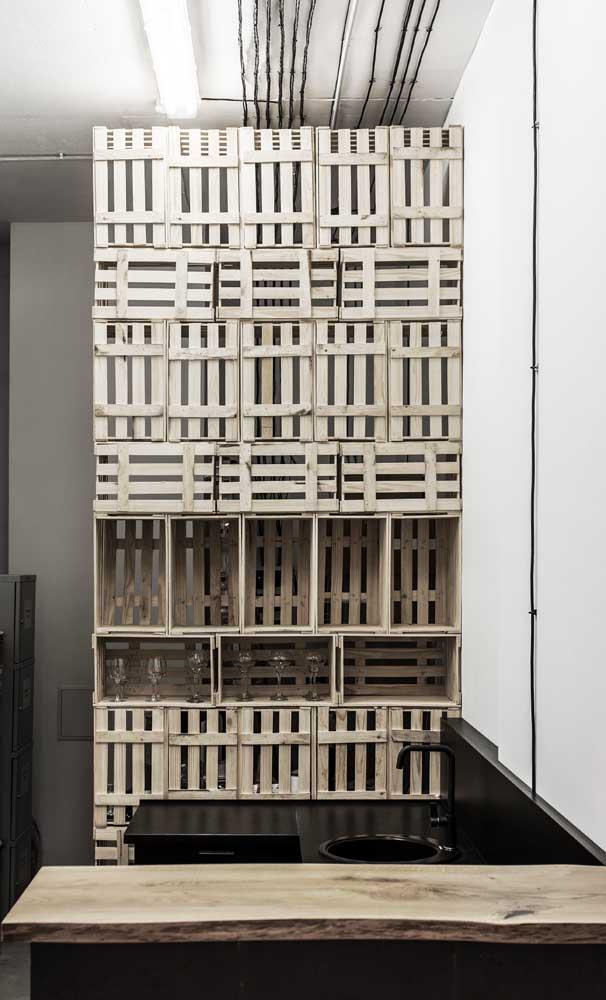 Caixotes também podem ser considerados nichos de madeira