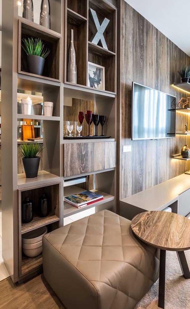Já para os mais clássicos, a melhor opção são os nichos de madeira em formato retangular ou quadrado