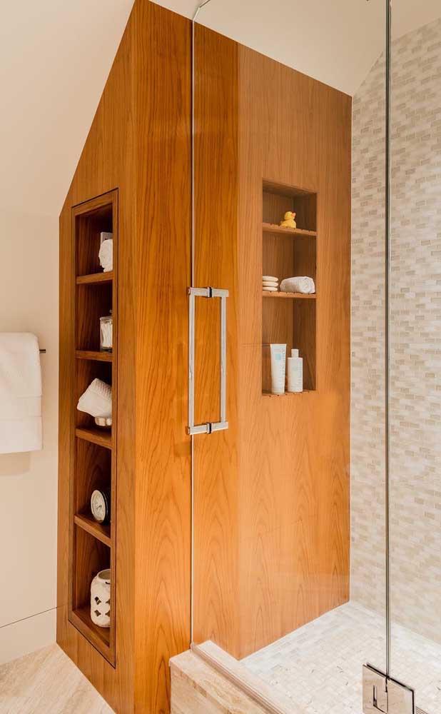 Nichos de madeira para o banheiro: praticidade e beleza em uma única peça