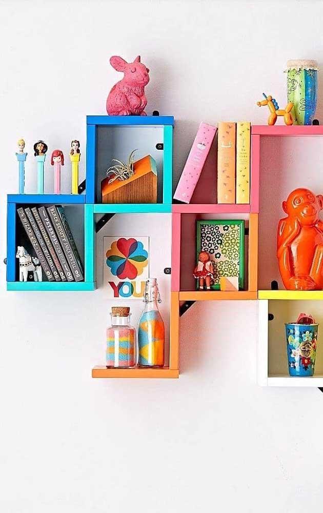 Já no quarto das crianças, quanto mais cor tiver os nichos, melhor!