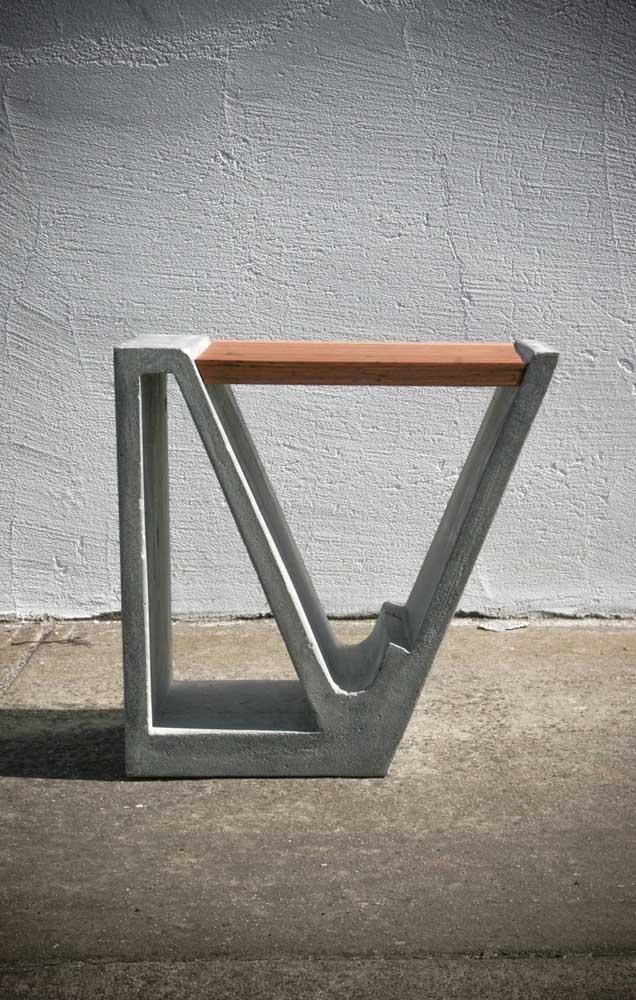 E por falar em design, o que acha desse modelo de banco de concreto aqui? Sensacional!