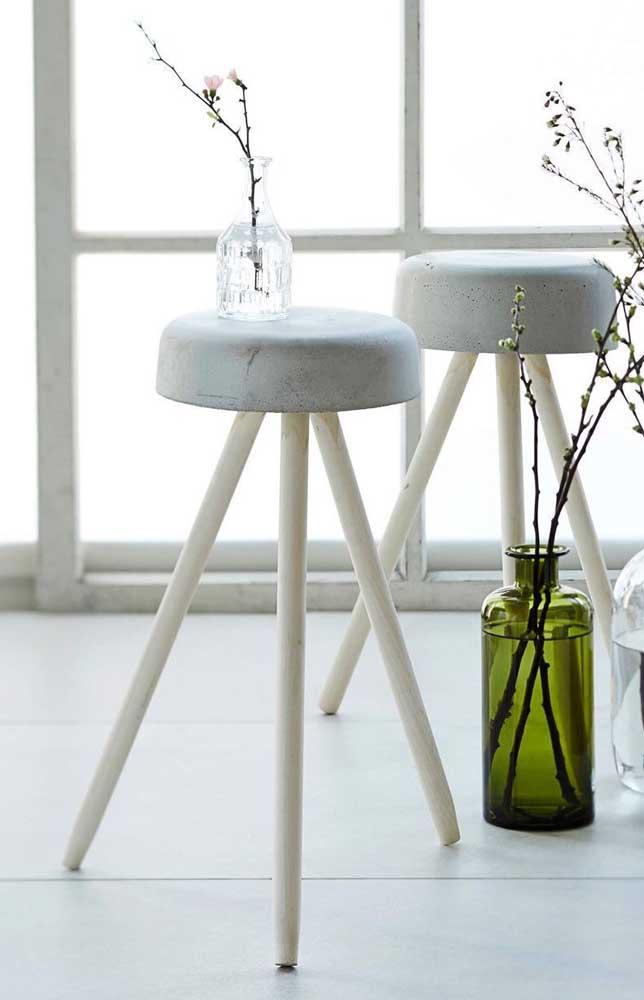 Toquinhos de madeira e um molde simples de concreto já são suficientes para fazer um modelo como esse