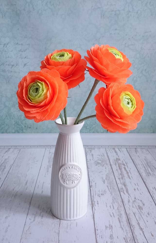 Flores de papel crepom simples para o vaso delicado