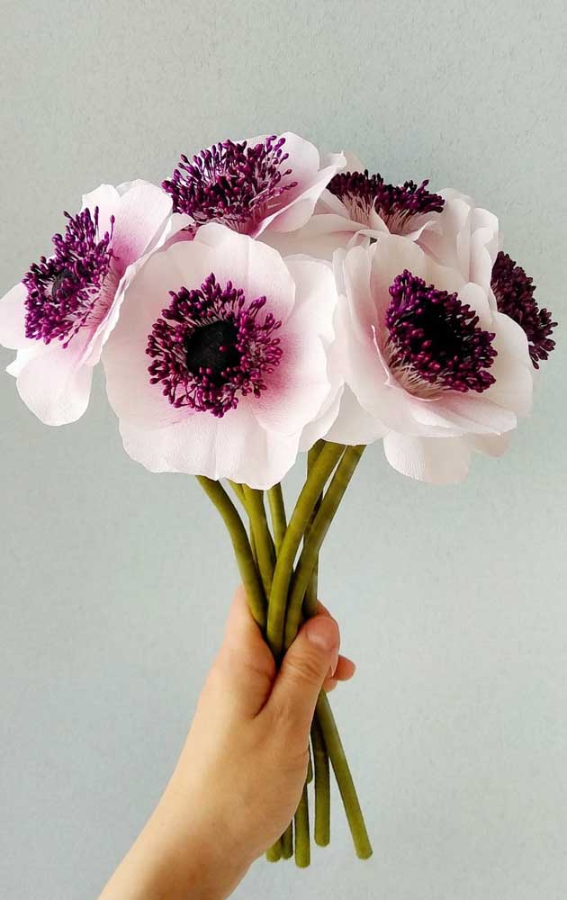 O miolo é que garante o realismo da flor, portanto, capriche nele!